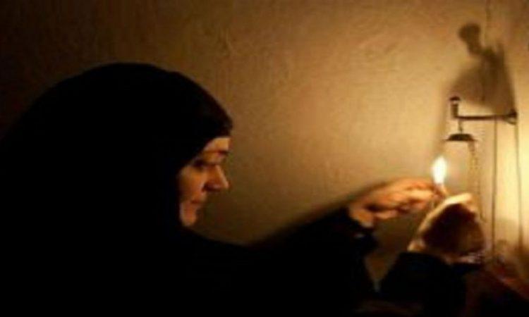 Τι συμβολίζει το κερί, το θυμίαμα και γιατί ανάβουμε το καντήλι;