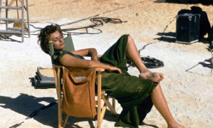 Το φλογερό ειδύλλιο της Σοφίας Λόρεν με Έλληνα σφουγγαρά σε γυρίσματα ταινίας στη Λιβύη. Επιχείρησε να την απαγάγει και να την πάει στην Κρήτη, γιατί δεν μπορούσε να την αποχωριστεί