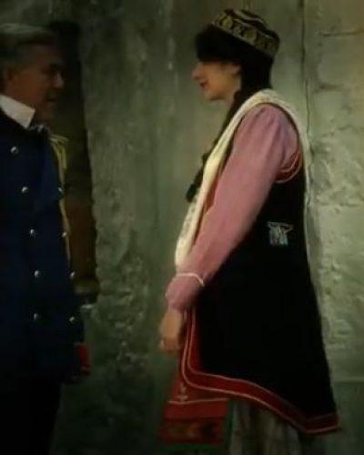 Ο άδοξος έρωτας της Μαντώς Μαυρογένους με τον Δημήτριο Υψηλάντη. Πως κατάφερε να τους χωρίσει ο Κωλέττης για πολιτικούς λόγους. Το δραματικό τέλος στην Μηχανή του Χρόνου